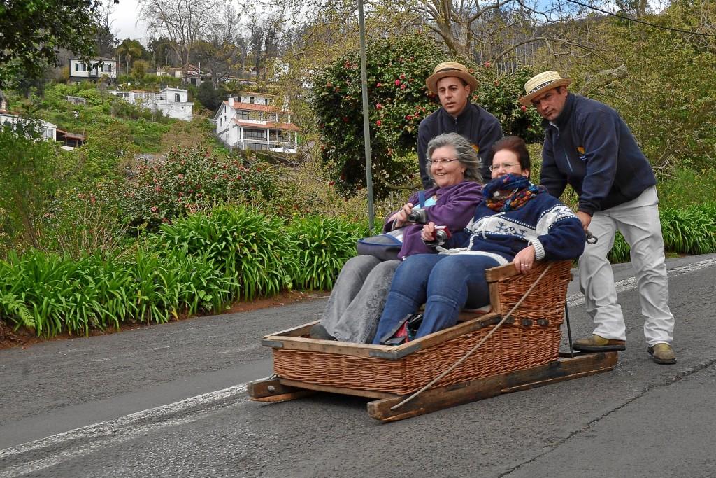 Korbschlittenfahren in Madeira